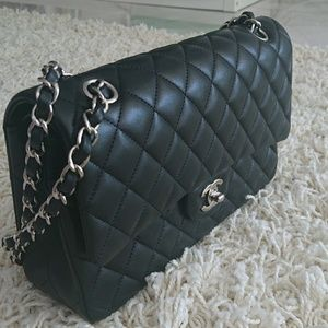 Never worn Chanel Le Sac Icone small in lambskin